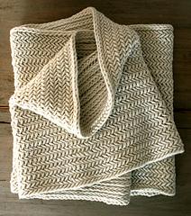 Herringbone-cowl-flat-425_small
