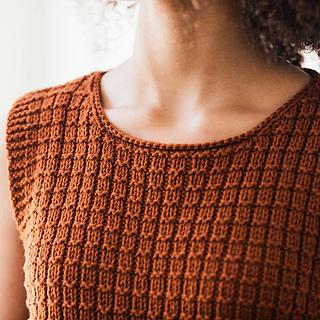 Quince-co-massaman-elizabeth-smith-knitting-pattern-lark-3-sq_small2