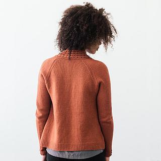Quince-co-lassi-elizabeth-smith-knitting-pattern-chickadee-2-sq_small2