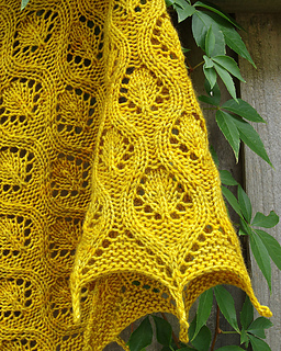 Ravelry_3_faux_cable_shawl_small2