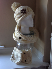 Cream_cowl_3_small