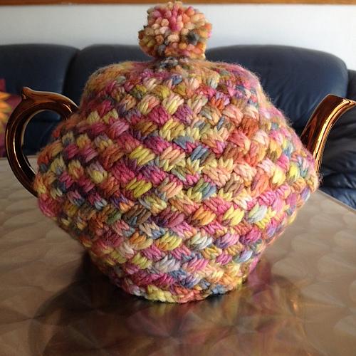 Ravelry T4u Basket Weave Knit Tea Cosy Pattern By Robbie Sattes