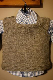 Tshirt_vest_hanging_small2