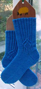 White_rabbit_socks_small_best_fit