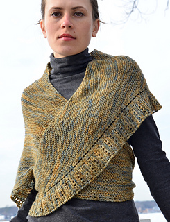 Side_to_side_shawl__dsc7003_small2