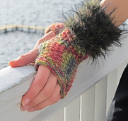 Fur_mitts_img_5920_small_best_fit