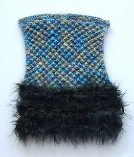 Fur_mitts_img_6480_small2