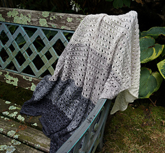 Side_to_side_lace_shawl_dsc02763_small