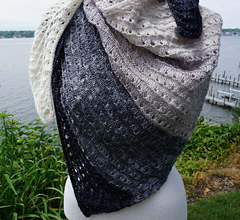 Side_to_side_lace_shawl_dsc02743_small