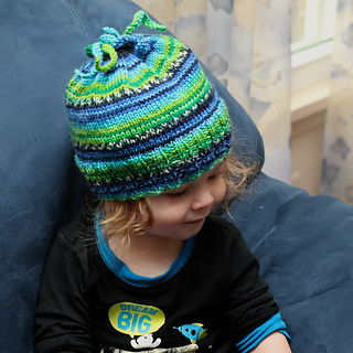 20141108_mstripedhat1_small2