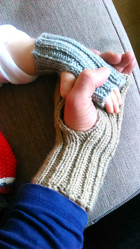 Adult_and_baby_hand_warmers_1_medium