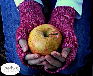 Taraxacum-mitts-apple-640x524_small2