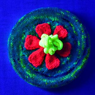 Flowerhat111670664w_small2