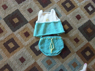 Babysweaterfinished_small2