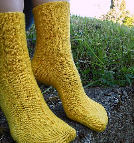 Ravelry Basket Weave Rib Socks Pattern By Sarah Ronchetti
