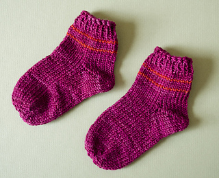 Knitting Socks Tutorial : How to knit toe up socks video tutorial knitting is awesome
