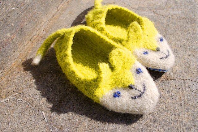 3634a00d7be7 patterns   Sheila Toy Stromberg s Ravelry Store and 1 more...   Wildewood Animal  Slippers