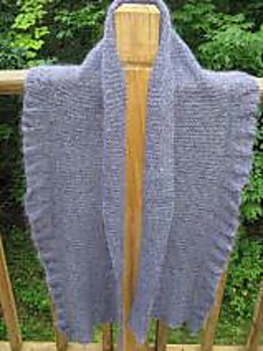 Bedford_springs_shawl_with_dinner_bell_ruffle_small2
