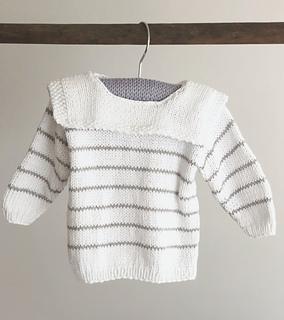 fdf83ff564b Ravelry: babybluse med matroskrave pattern by Pia Trans