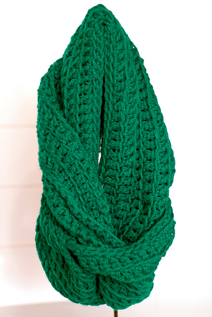Ravelry Ribbed Infinity Scarf Pattern By Lisa Maree