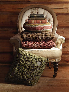 Crochet_square_cushion_small2