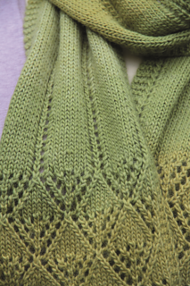 Smiling_diamonds_lace_scarf_2_small2