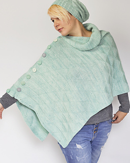 Triangle Texture Poncho pattern by Susanne Sommer