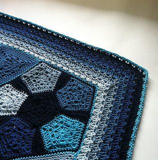Pentagranny_pattern_by_shelley_husband_corner_small2