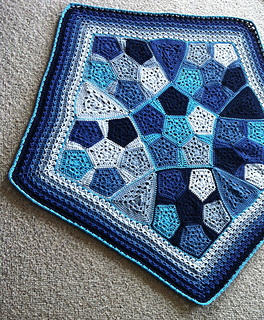 Pentagranny_pattern_by_shelley_husband_2_small2