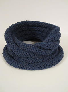 Moebius_collared_cowl_blue_mist_1_small2