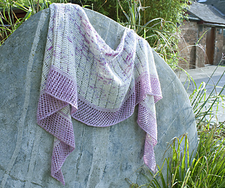 Shawl_on_stone_small2