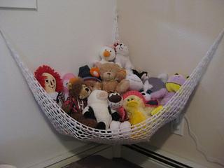 & Ravelry: Toy Storage Hammock pattern by Dvortygirl
