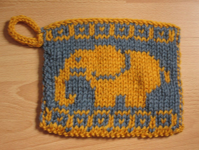 Ravelry: Doubleknit potholder Elephant # 2 pattern by Susi Sunshine