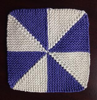 Ravelry: Pinwheel Dishcloth pattern by Patricia Jared