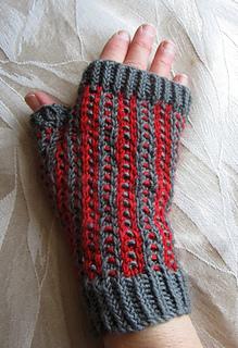 Buckeye_mitts_one_hand_small2