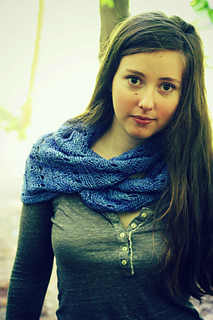 Cockle_shell_cowl_2_-_cooler_version_small2