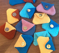 Felt_coin_purse_bunch_small_best_fit