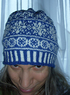 Christmas_stars_beanie1_small2