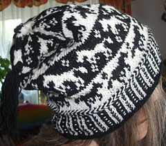 Horse_tail_beanie3_small