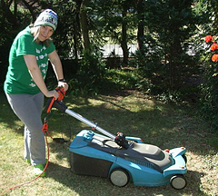 Mowing_the_lawn_beanie_publish15_small