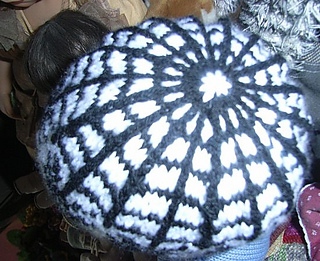 Littlespiderbabyhat4_small2