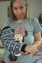 Mommyslivesaverarmcastcozy3_small_best_fit