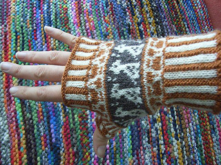 Giraffe_mitts2_small2