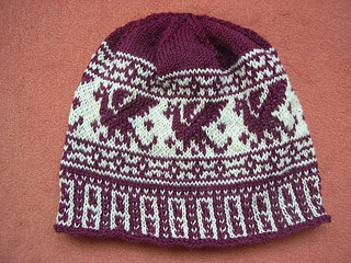 Red_dragon_beanie3_small2