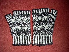 Hedgehog_mitts1_small
