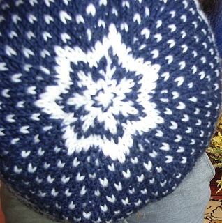 Norwegian_star_beanie2_small2