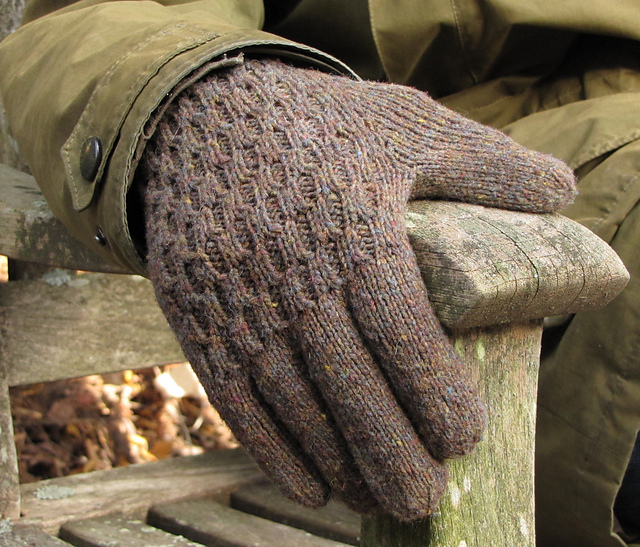 Ravelry Foxhall Gloves Pattern By The Rainey Sisters