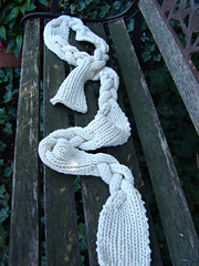 Braided_spread_on_bench_full_small