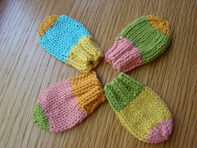 Ravelry Baby Mitts Pattern By Susan B Anderson