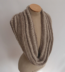 Linen___purl_cowl_4_notcropped_brighter_small